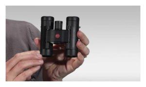 Leice Fernglas Ultravid 8x20 BR Aqua Dura in der Hand
