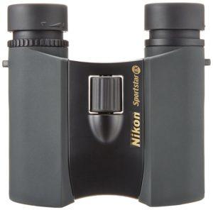 Nikon 10x25 Sportstar EX auf weissem Grund