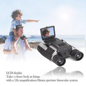 FHD Digitalkamera Fernglas vor Meereshintergrund